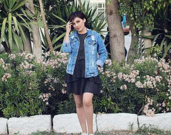 Denim jacket for women street style ideas (41)