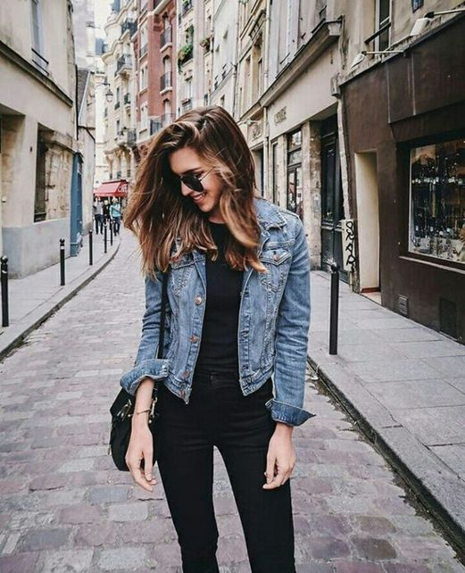 Denim jacket for women street style ideas (50)
