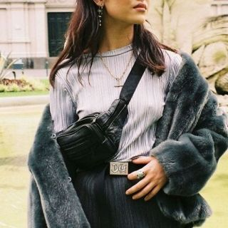 Bloglovin.com BUCKLE IN: Fannypack Outfits Street Style Ideas