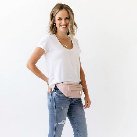 Fawndesign.com The Blush Fawny Pack Is NOW AVAILABLE! Go Get The Hottest Accessory This Summer! #fawnypack #fawnypackblush #fannypack #Regram Via @fawndesign