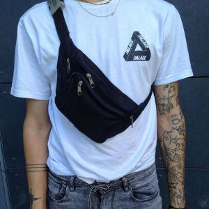 Instagram.com: Fannypack Outfits Street Style Ideas