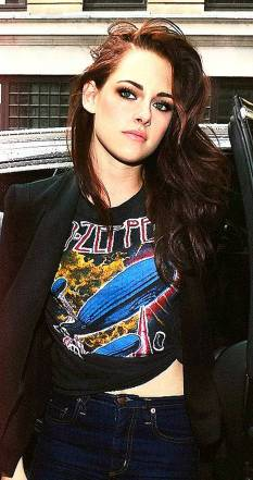 Kristen Stewart in a Gorgeous Fashion - 004 | Fashion DressFitMe