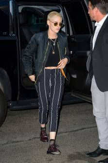 Kristen Stewart in a Gorgeous Fashion - 012 | Fashion DressFitMe