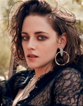 Kristen Stewart in a Gorgeous Fashion - 041 | Fashion DressFitMe