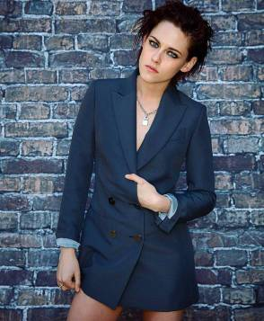 Kristen Stewart in a Gorgeous Fashion - 042 | Fashion DressFitMe