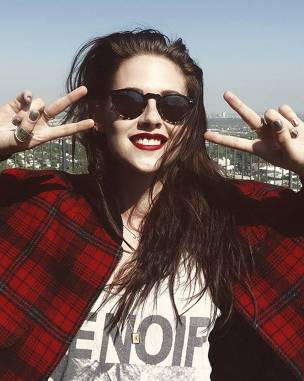 Kristen Stewart in a Gorgeous Fashion - 049 | Fashion DressFitMe