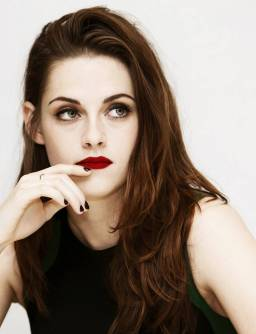 Kristen Stewart in a Gorgeous Fashion - 142 | Fashion DressFitMe