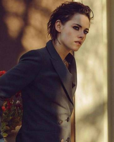 Kristen Stewart in a Gorgeous Fashion - 157 | Fashion DressFitMe