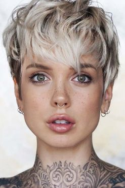 Pixie haircuts for women (13)