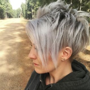 Pixie haircuts for women (5)