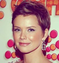 Pixie haircuts for women (56)
