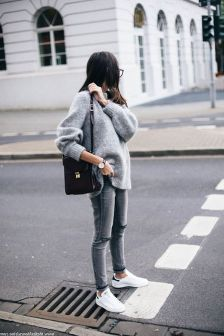 Rainy day cold weather outfit (31)