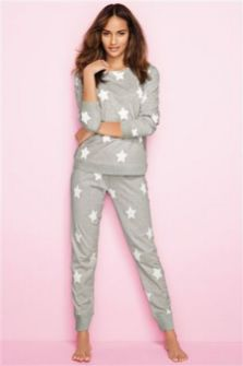 Women's pyjamas style to help you look sharp 010 fashion