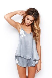 Women's pyjamas style to help you look sharp 036 fashion