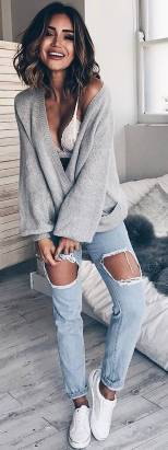Women's white sneakers outfit 03