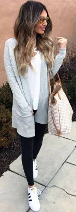 Women's white sneakers outfit 11