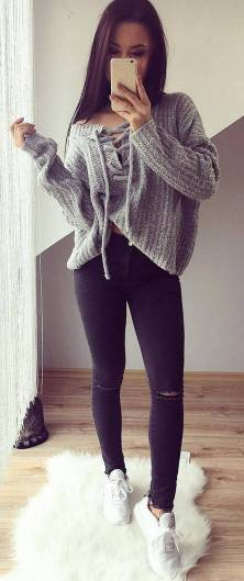 Women's white sneakers outfit 16