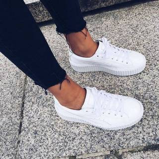 Women's white sneakers outfit 25