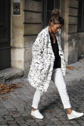 Women's white sneakers outfit 32
