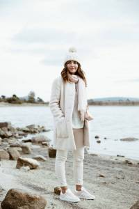 Women's white sneakers outfit 81