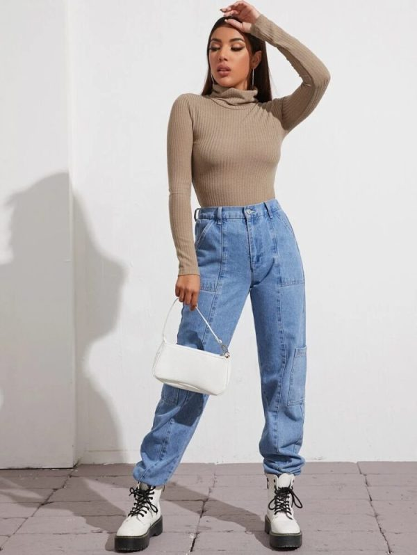 Бежова дамска блуза