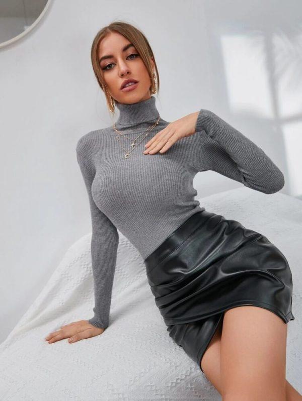 Дамски пуловер в сиво