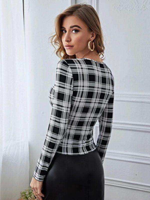 Дамска блуза в черно и бяло
