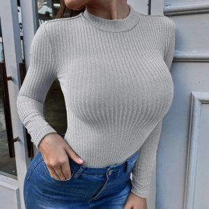 Вталена блуза в сиво