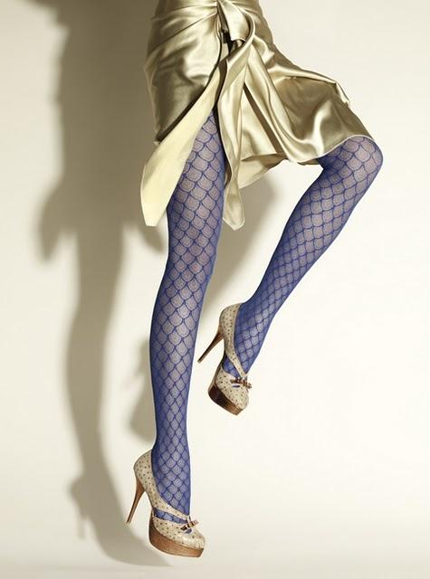 Resultado de imagen de lace color tights outfit