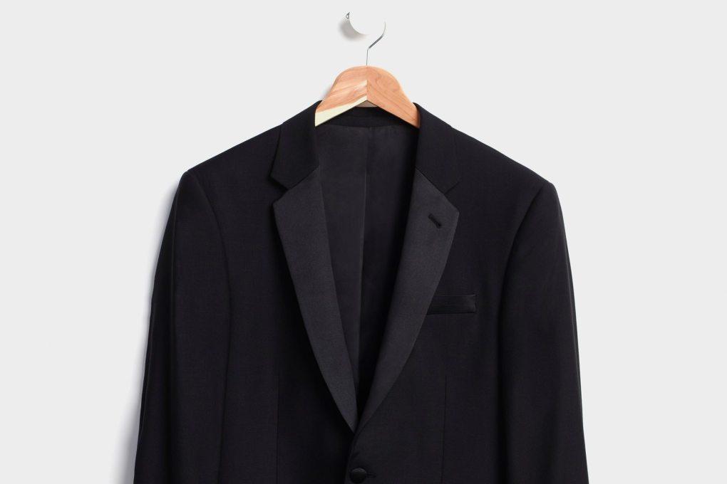 διαφορά σμόκιν κοστούμι σακάκι μαύρο