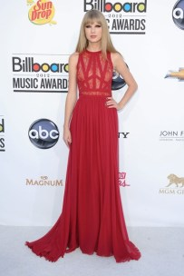 She wore an Elie Saab pre-autumn-winter 2012 dress to the Billboard Music Awards in Las Vegas.