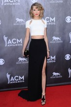 She arrived at the Academy of Country Music Awards held in Las Vegas wearing a top and skirt by J. Mendel.