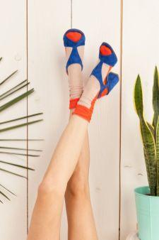 sandals-heels-and-socks