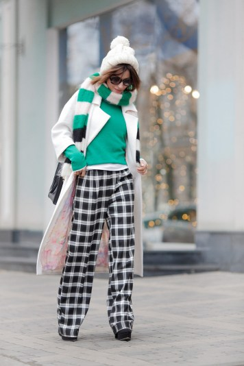 check_trousers_outfits-winter_outfit_ideas-white_coat_outfits