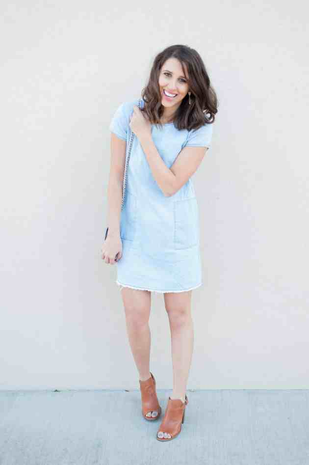 Dress Up Buttercup | Houston Fashion Blog - Dede Raad Chambray Shift Dress