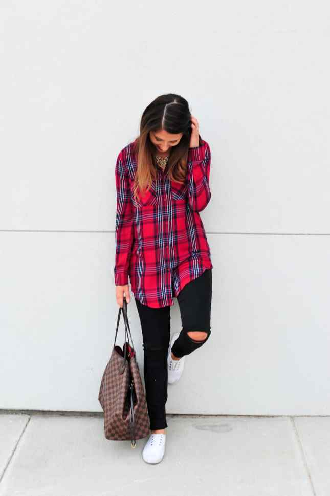 Dress Up Buttercup // A Houston-based fashion travel blog developed to daily inspire your own personal style by Dede Raad   This is how I plaid