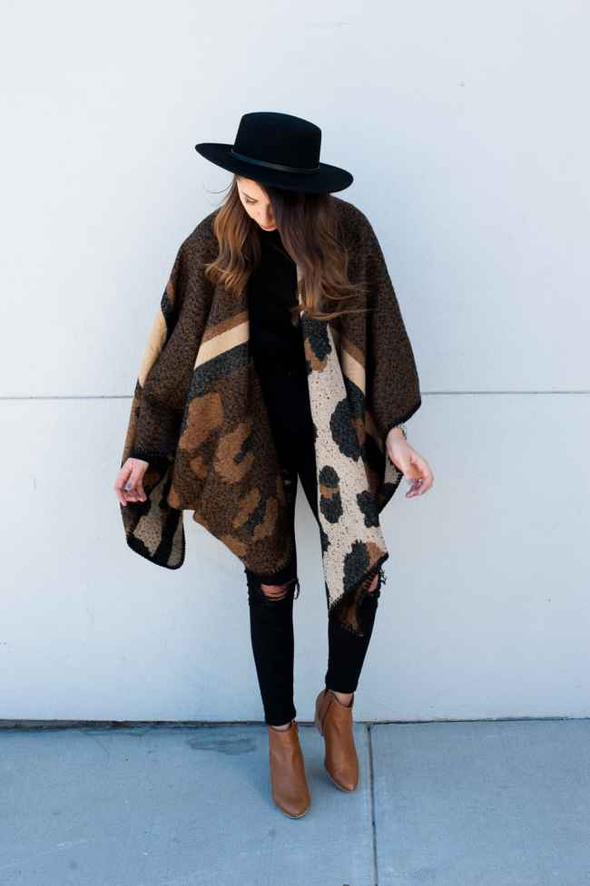 Dress Up Buttercup // A Houston-based fashion travel blog developed to daily inspire your own personal style by Dede Raad   How to Wear a Poncho