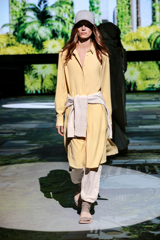 Zu den wichtigsten Trends gehören Hemdblusenkleider - Fashion Must-haves der Saison