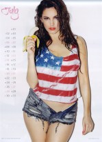 Kelly Brook Sexy Official 2013 Calendar [Photos] - 008