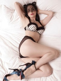 Dita Von Teese by Albert Sanchez for ELLE Men China [Photos] 005