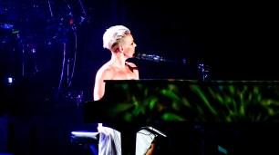 Pink at Perth Arena 2013-39