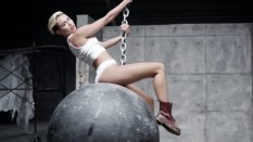 Miley Cyrus Wrecking Ball [Music Video] 04