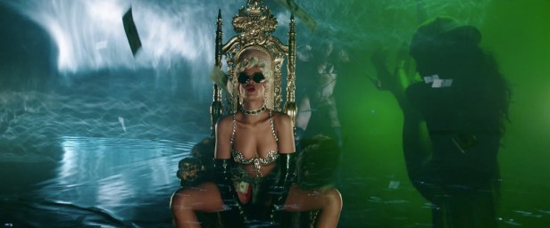 Rihanna - Pour It Up (Explicit) [Music Video] 08
