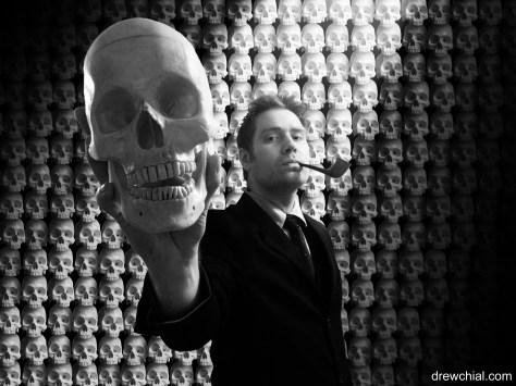 Presenting Skull Head