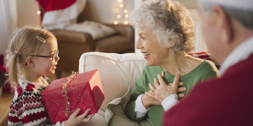 Senior Santa brightens holidays for lonely seniors