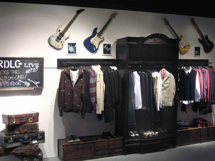 Lee Cooper Fijian Shishi Store :: Display Wall