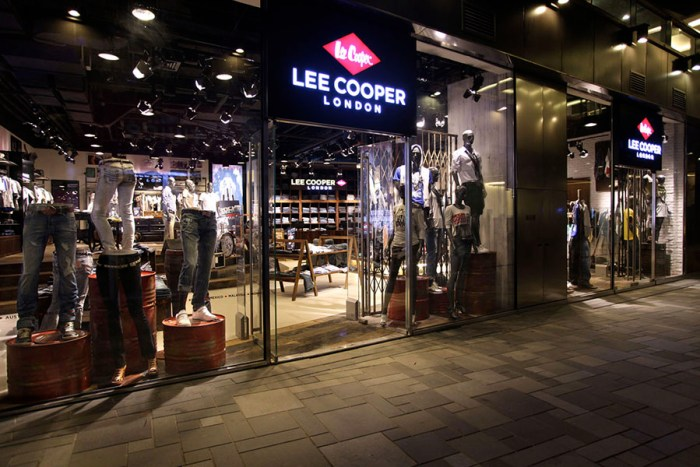 Lee Cooper Sanlitun Flagship Store in Beijing :: Shop Front Left Side