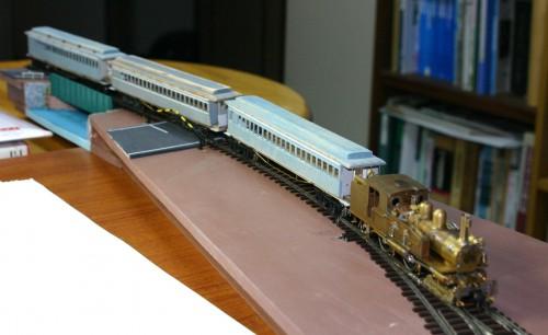 1118牽くホハ3両(旧関西鉄道)