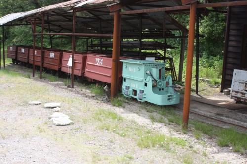 8号機と鉱車