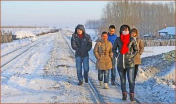 07_村の若者たち
